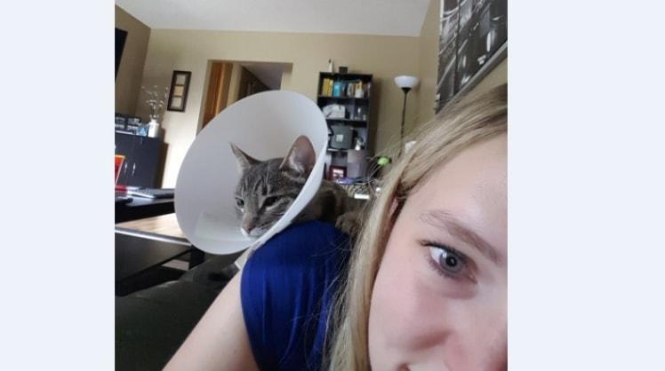 Nicole in Calgary back image