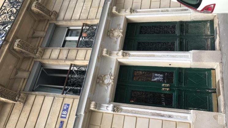 Milan à Paris back image