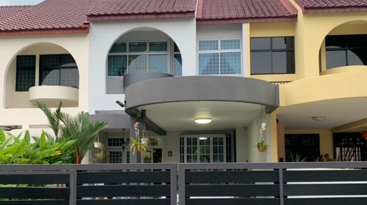 Gautham in Singapore back image